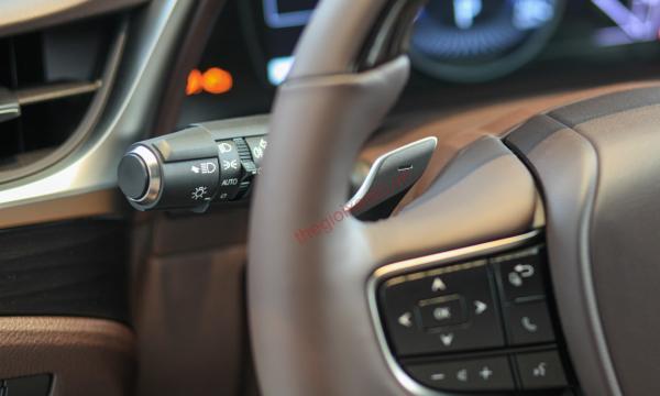Đánh giá nội thất Lexus ES 250 2020