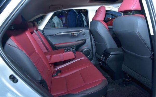 hàng ghế thứ 2 lexus nx300