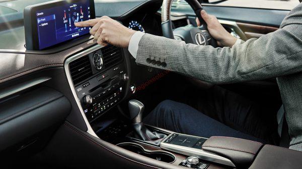 Đánh giá nội thất Lexus RX300 2021