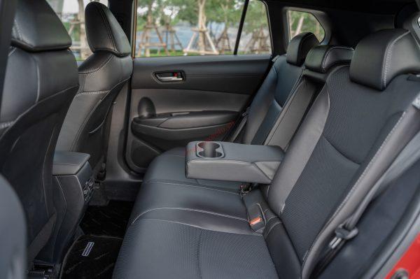 Hàng ghế thứ 2 trên Corolla Cross 2021