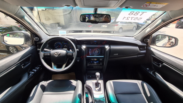 nội thất toyota fortuner 2.4g at 2021