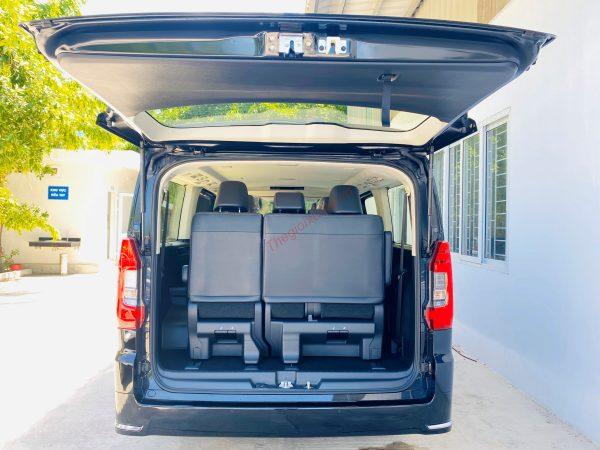 Khoang hành lý xe Granvia