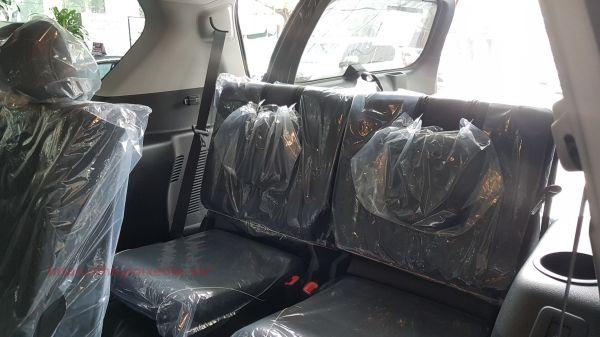 Hàng ghế thứ 3 trên xe Toyota Land Cruiser Prado 2021