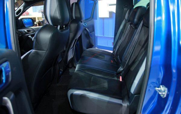 hàng ghế thứ 2 Bán tải Ford Ranger Raptor 2020