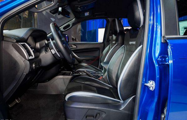 ghế lái Bán tải Ford Ranger Raptor 2020