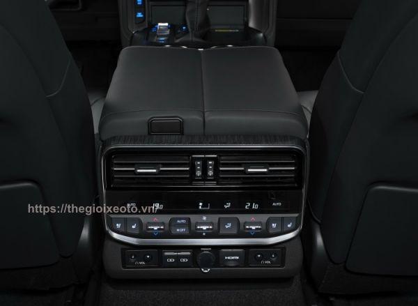 điều hòa hàng ghế thứ 2 Toyota Land Cruiser 2022