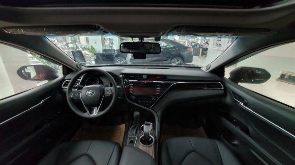Không gian nội thất Toyota Camry 2.5Q 2020