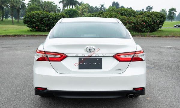 Toyota Camry2020màu trắng ngọc trai