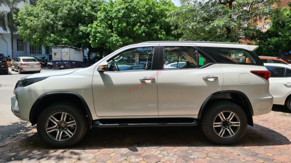thân xe toyota fortuner 2.4g at 2021