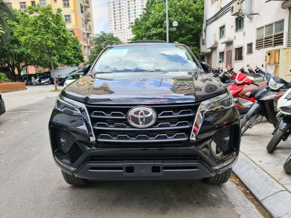 đầu xe toyota fortuner 2.4g at 2021