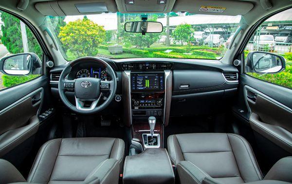 nội thất xe Toyota fortuner TRD Sportivo
