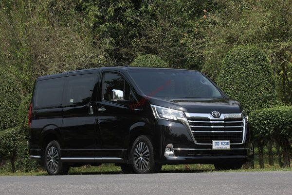 Đánh giá xe Toyota Granvia 2020