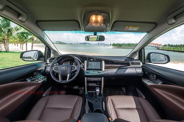 Nội thất Toyota Innova 2.0V 2021