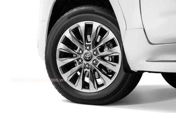 mâm xe Land Cruiser V6 2022
