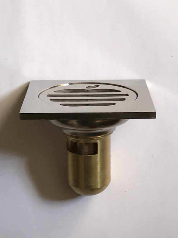 Thoát sàn ngăn mùi DAESUN-  DS 515 ( 100 x 100)