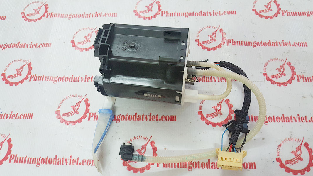 Bơm xăng Land Rover Discovery 3 4 Range Rover Sport - LR016845