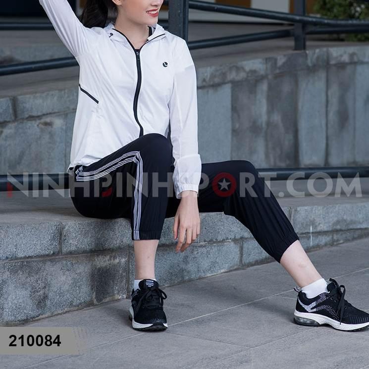 Quần jogger nữ màu đen 210084