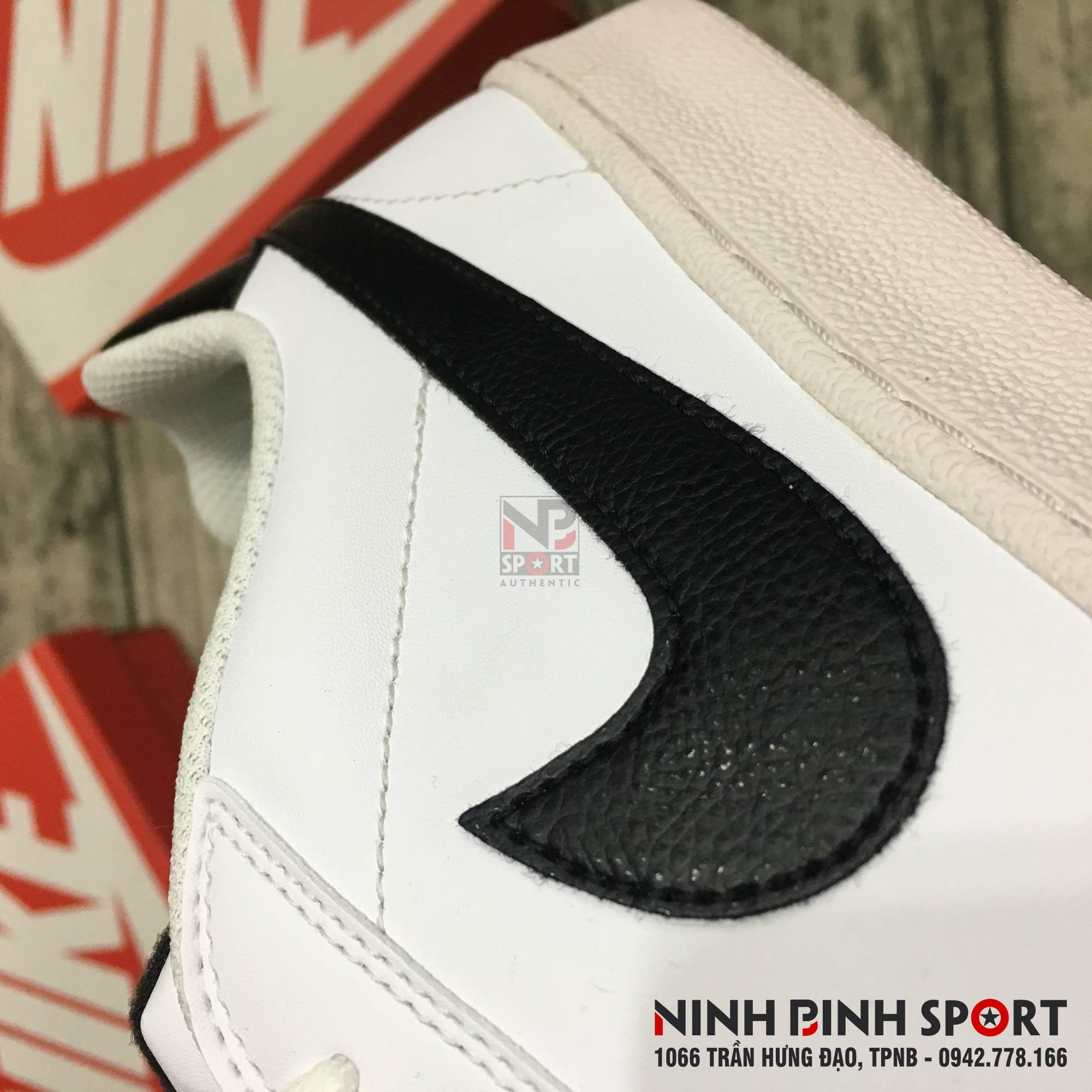 Giầy thể thao nam Nike Court Majestic Leather 574236-100