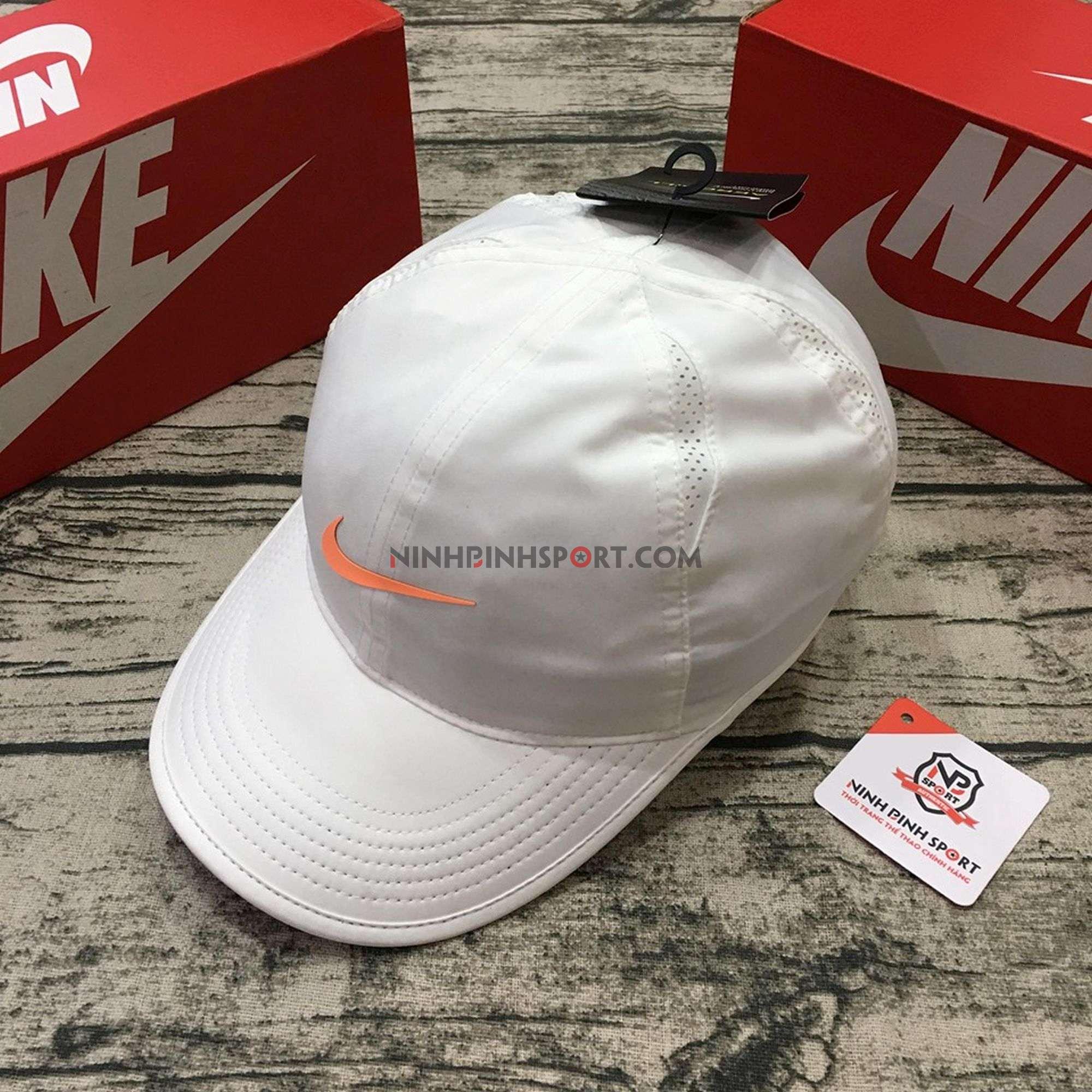 Mũ thể thao nữ Nike Womens Featherlight 679424-133