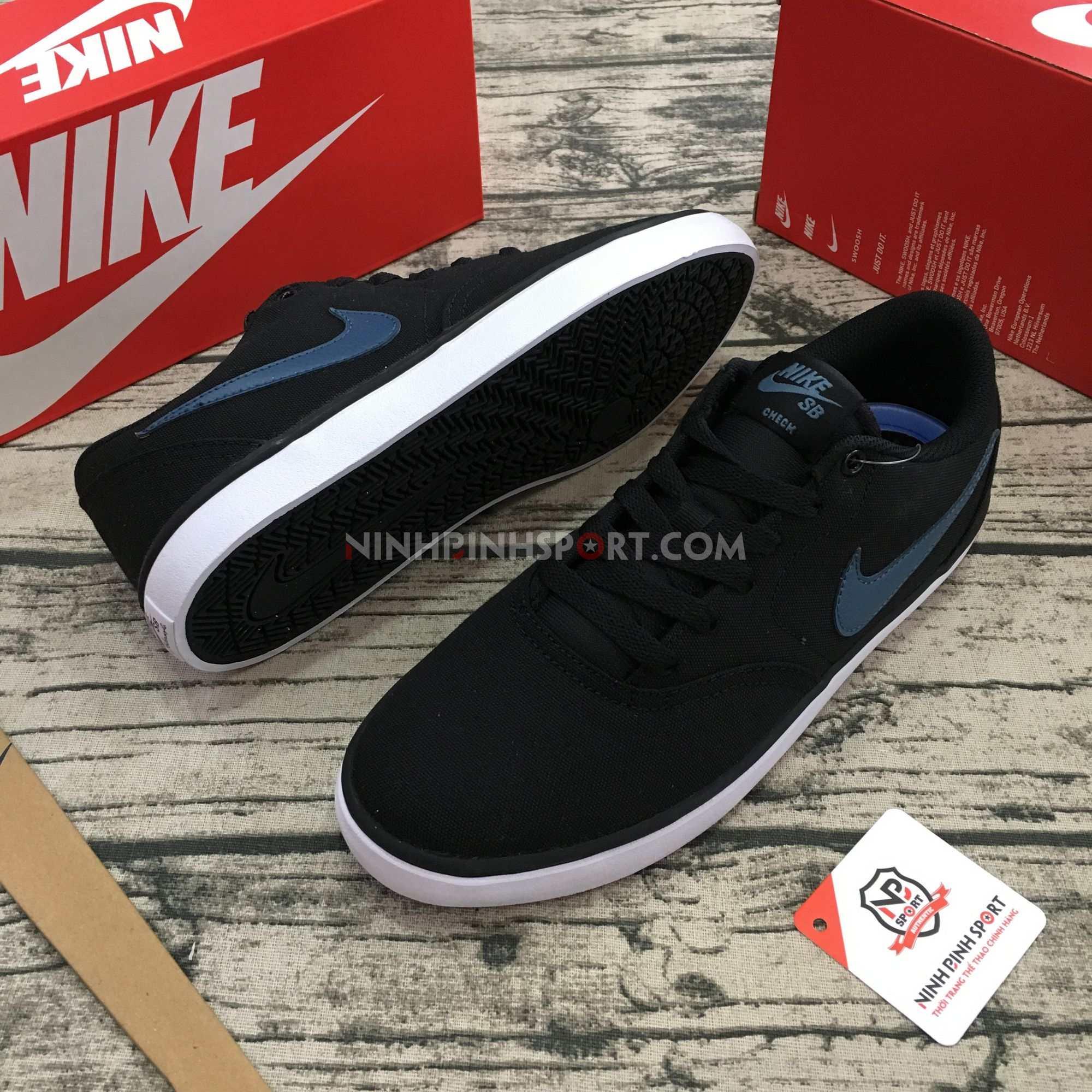 Giầy thể thao nam Nike SB Check Solarsoft 843896-017
