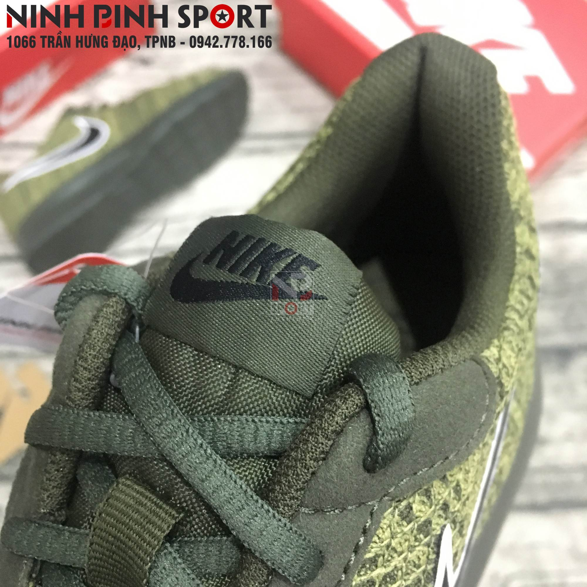 Giày thể thao nam Nike Tanjun Premium 876899-302