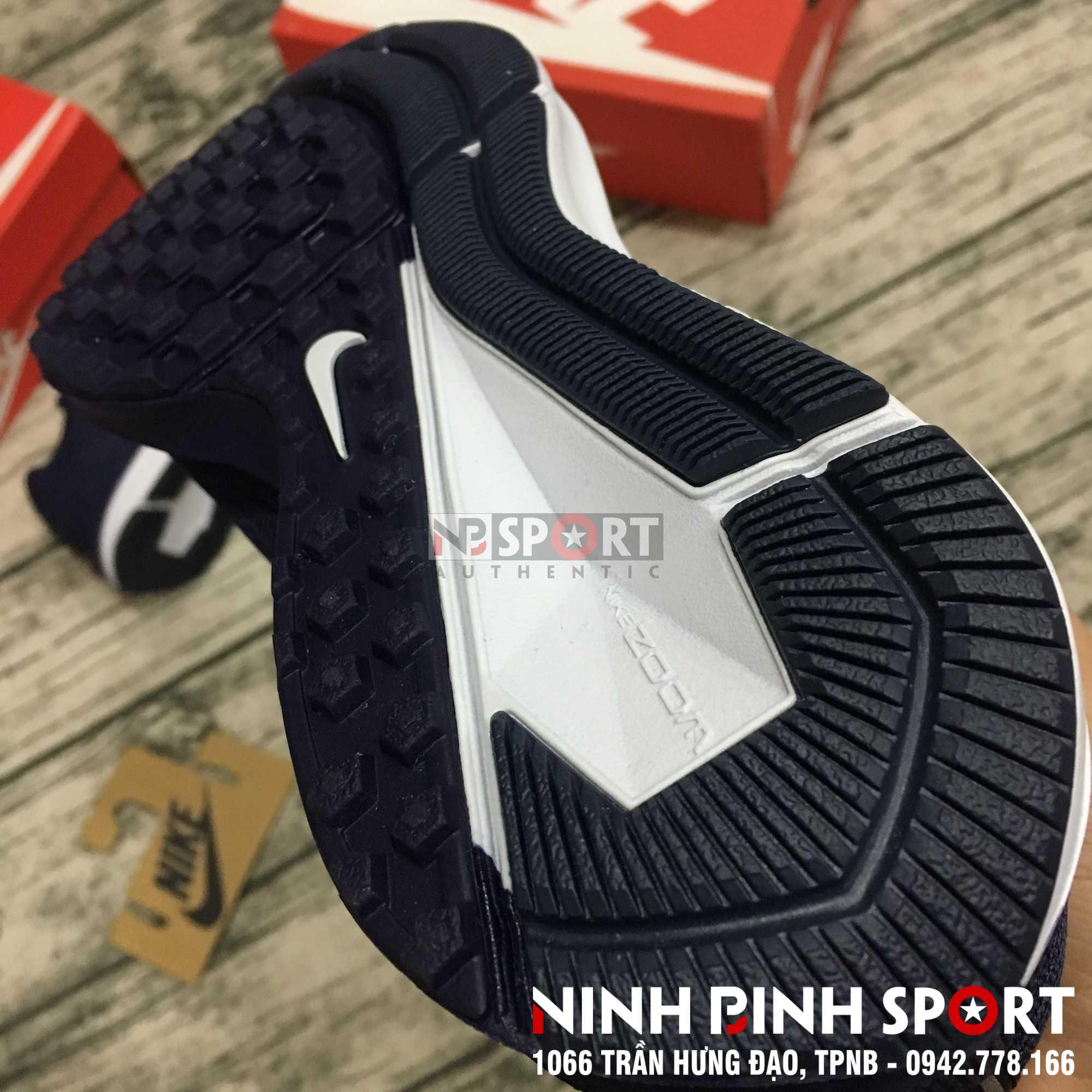 Giày thể thao nam Nike Air Zoom Winflo 5 Blackened AA7406-402