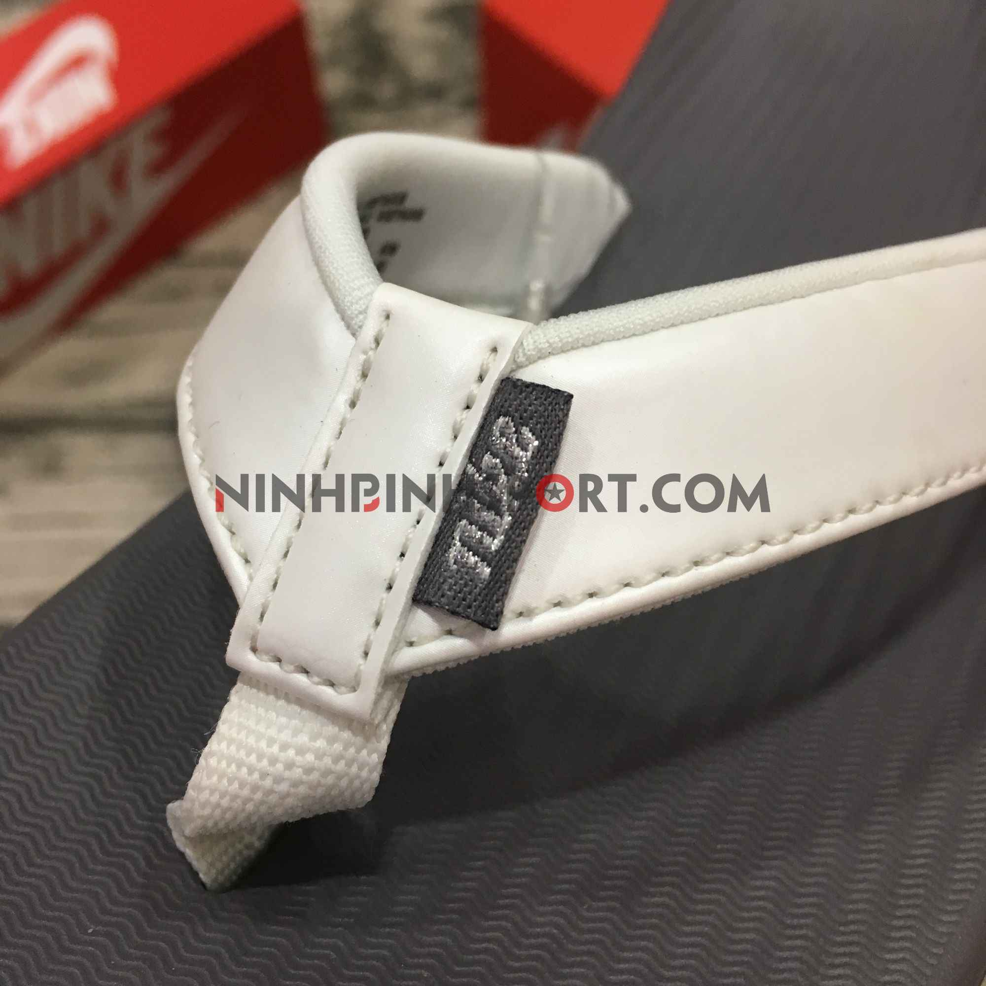 Tông thể thao nữ Nike Bella Kai Womens AO3622-003