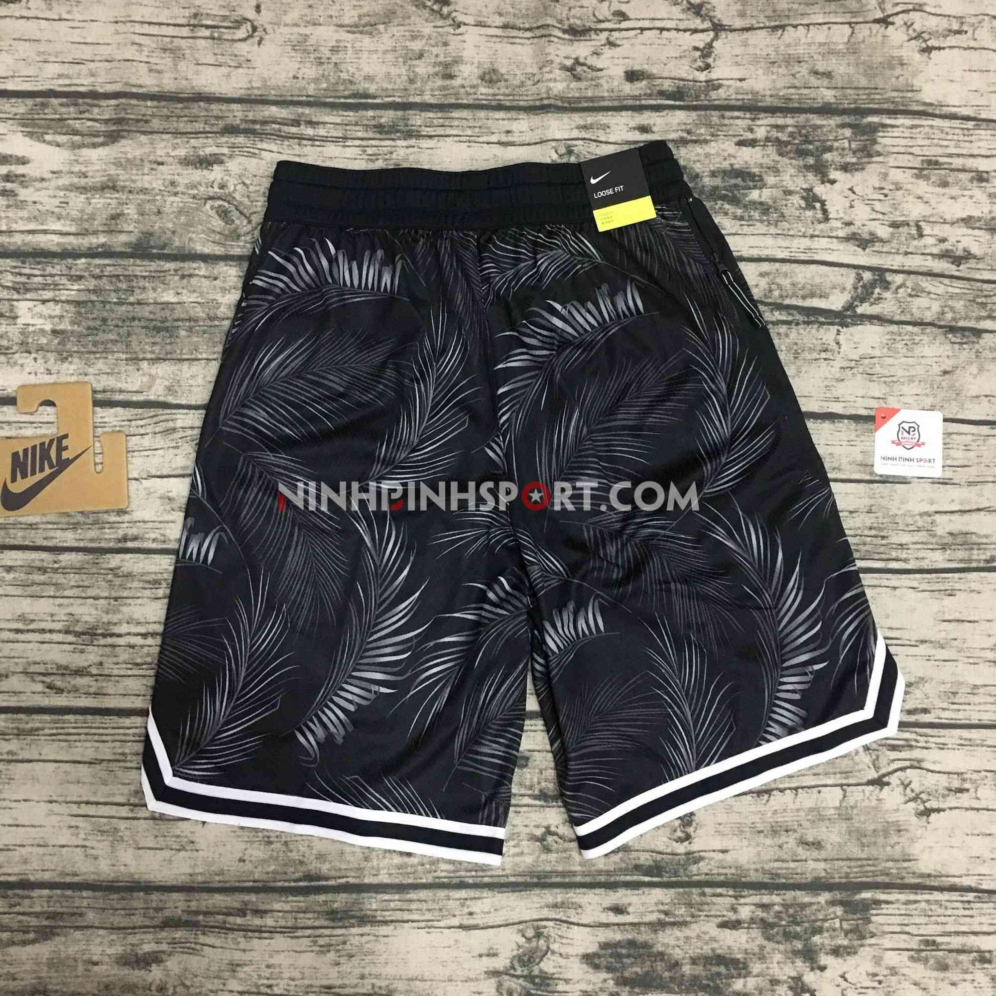 Quần thể thao nam Nike Dri-FIT DNA AR1322-010