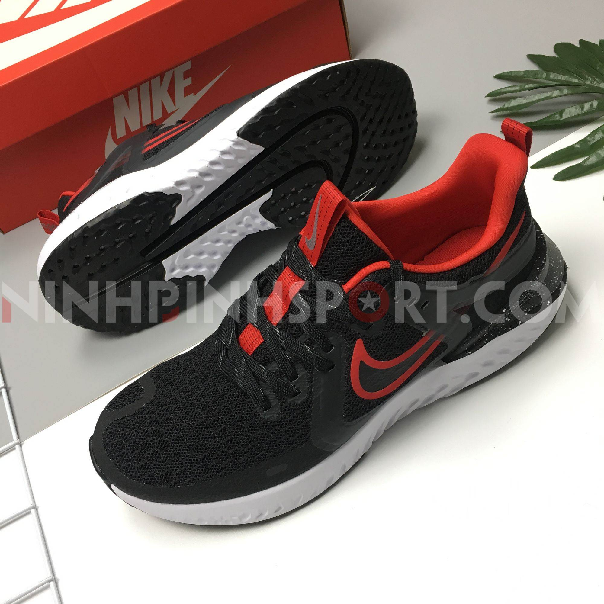 Giầy thể thao nam Nike Legend React 2 AT1368-005