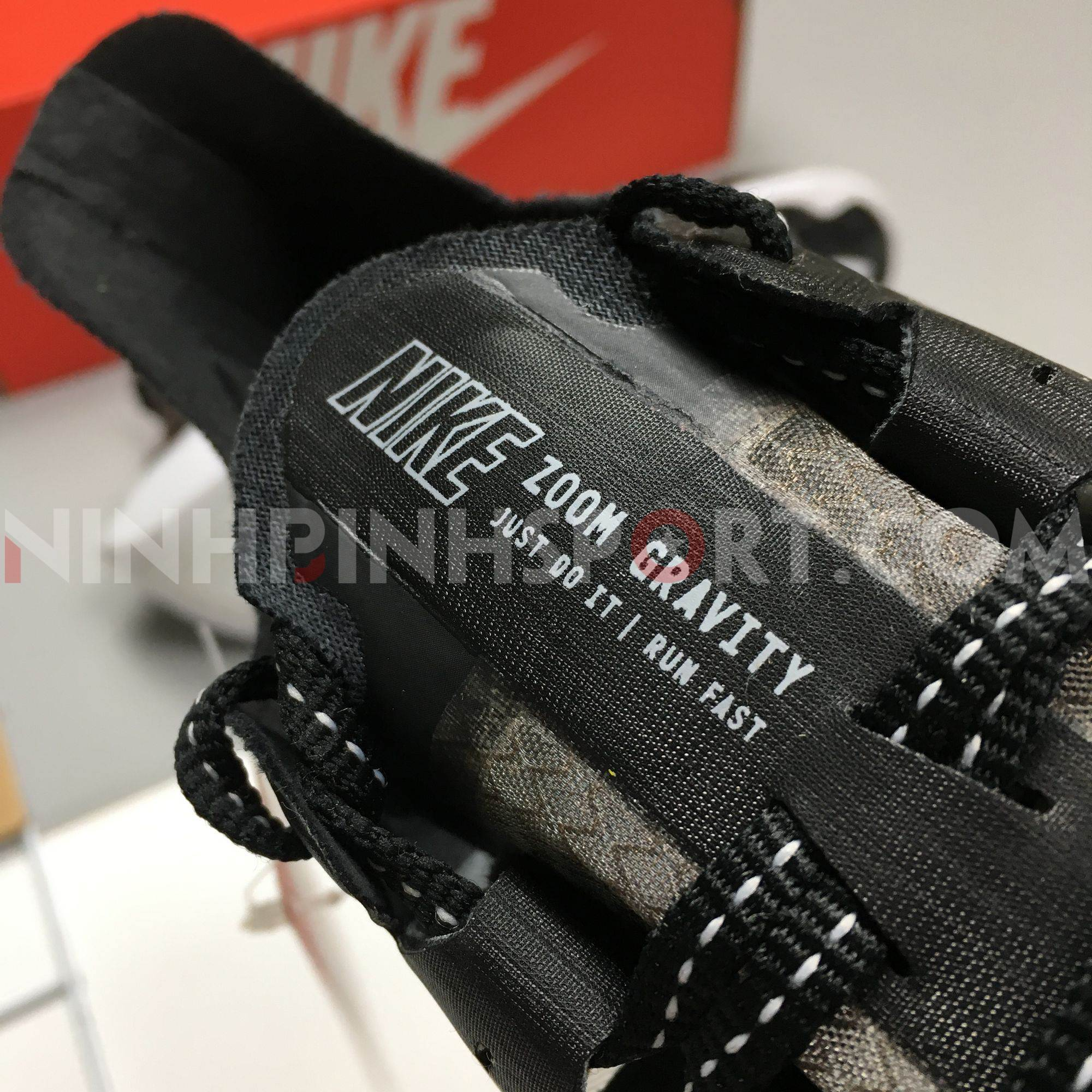 Giầy thể thao nam Nike Zoom Gravity BQ3202-001