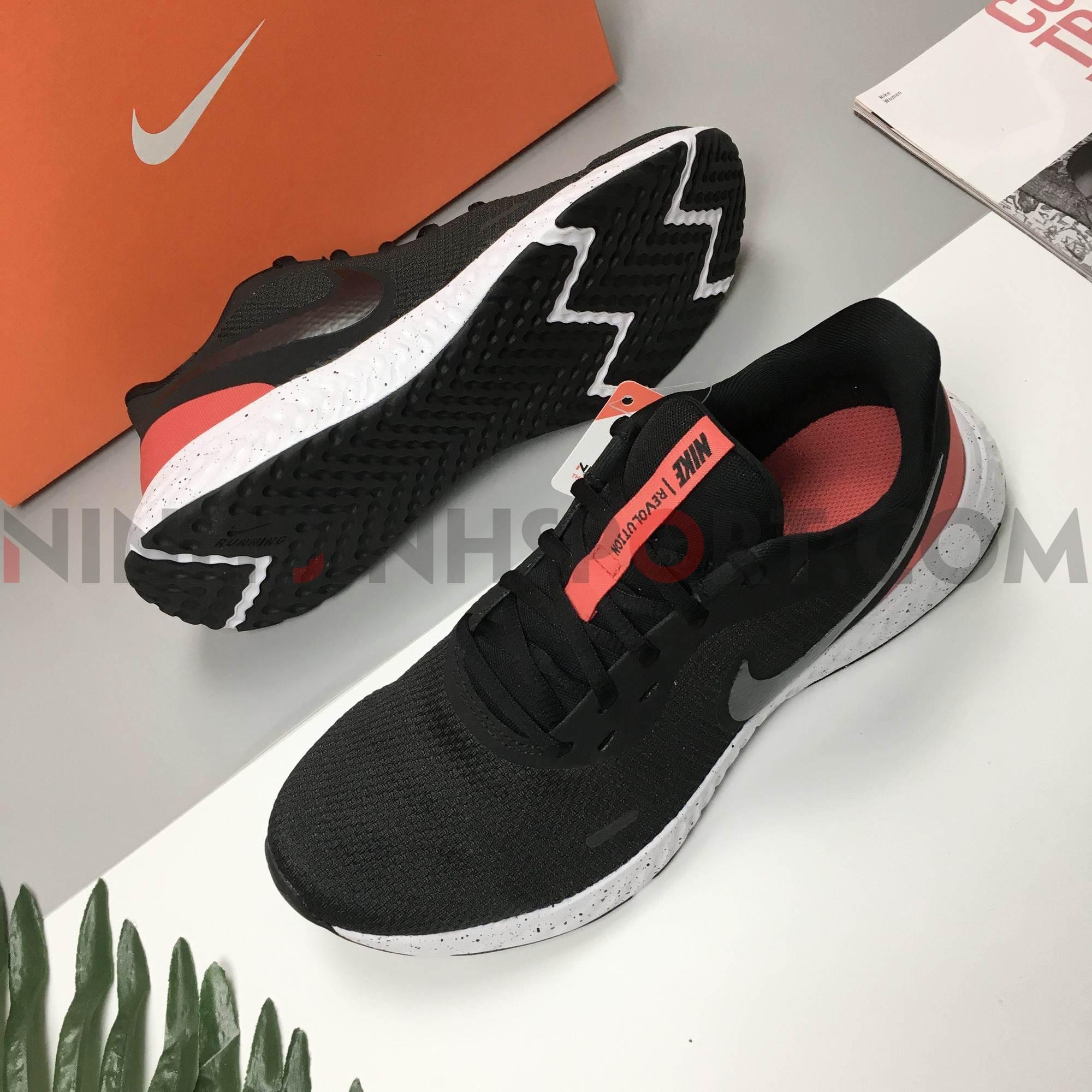 Giầy thể thao nam Nike Revolution 5 BQ3204-003