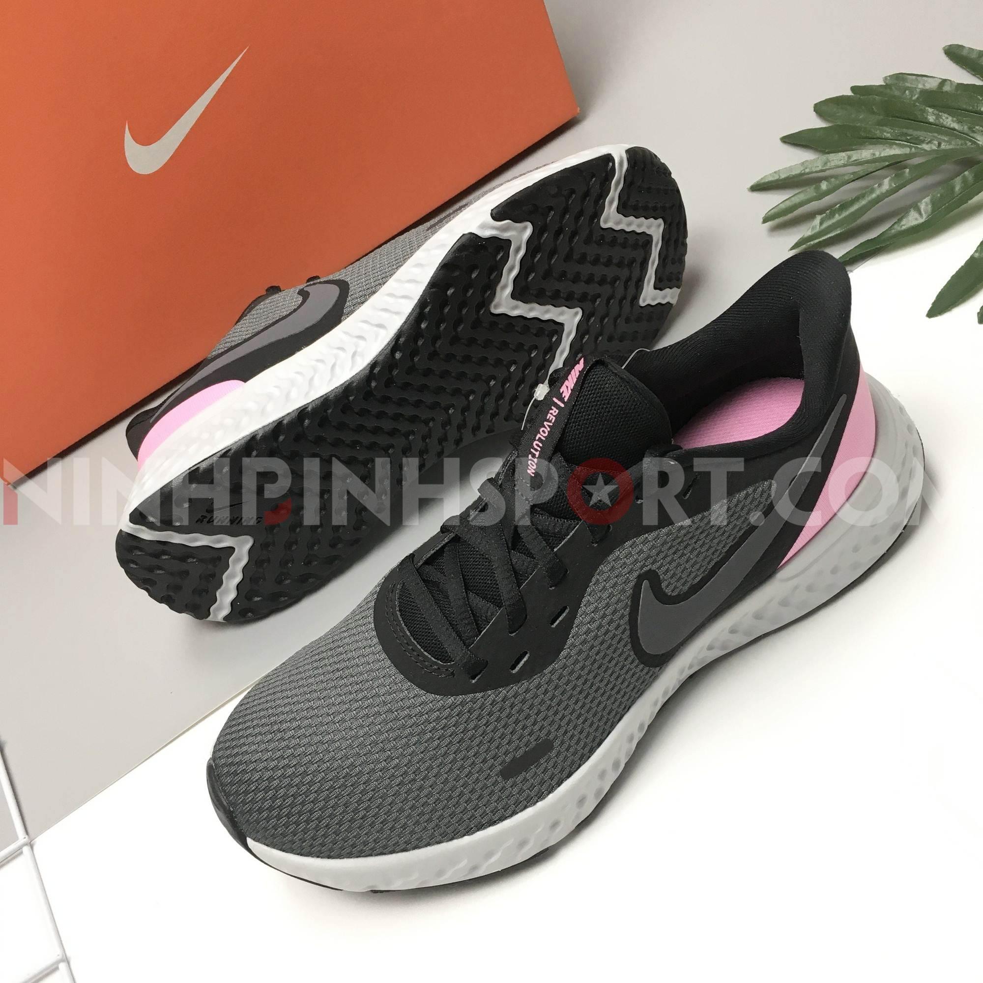 Giầy thể thao nữ Nike Revolution 5 BQ3207-004