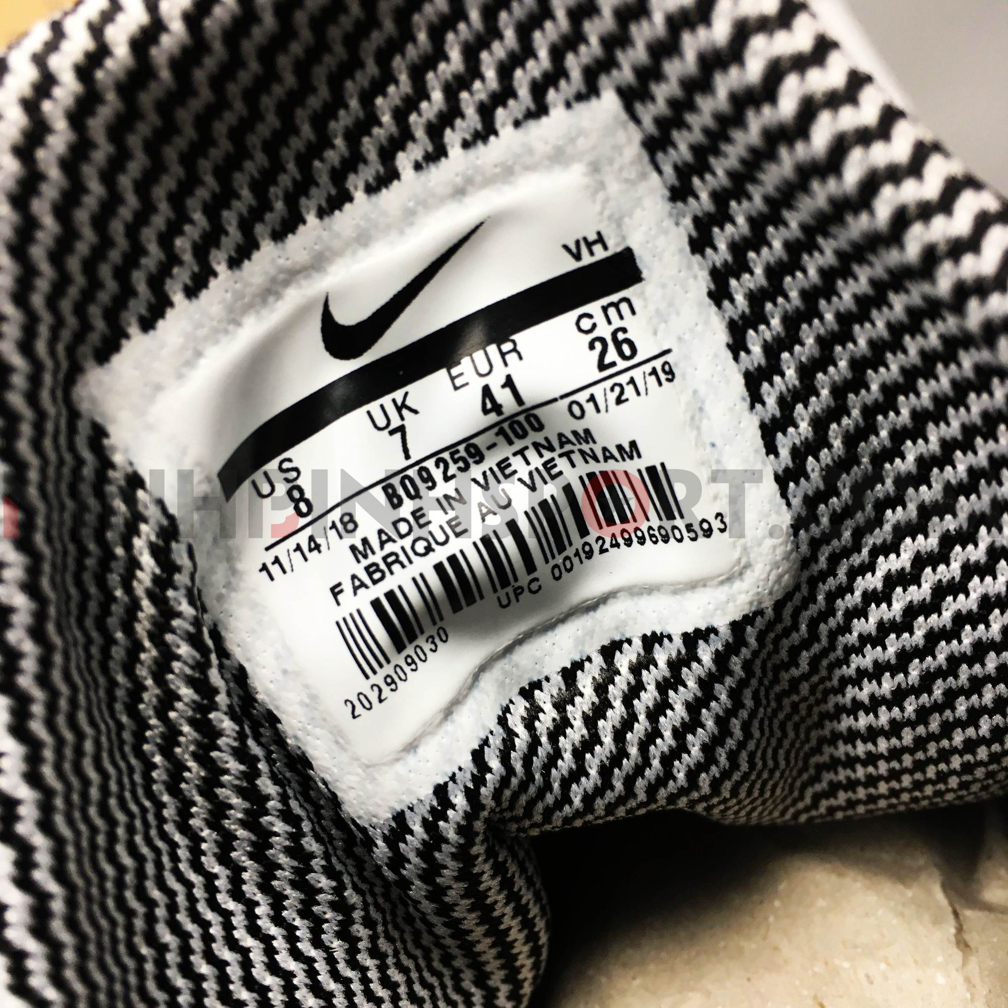 Giầy thể thao nam Nike Renew Arena SE BQ9259-100