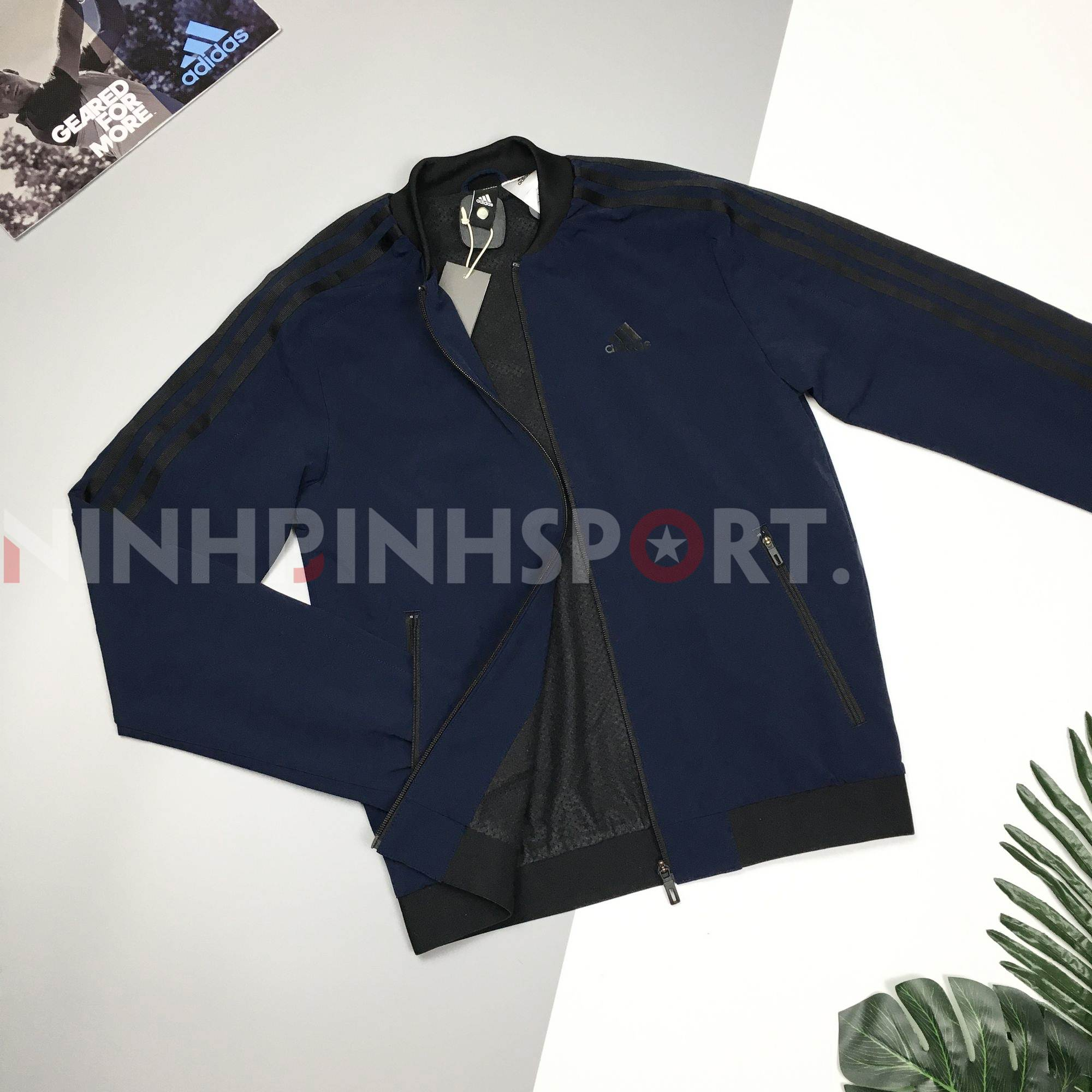Áo khoác thể thao nam Adidas WV Bomb Conavy - CZ5917