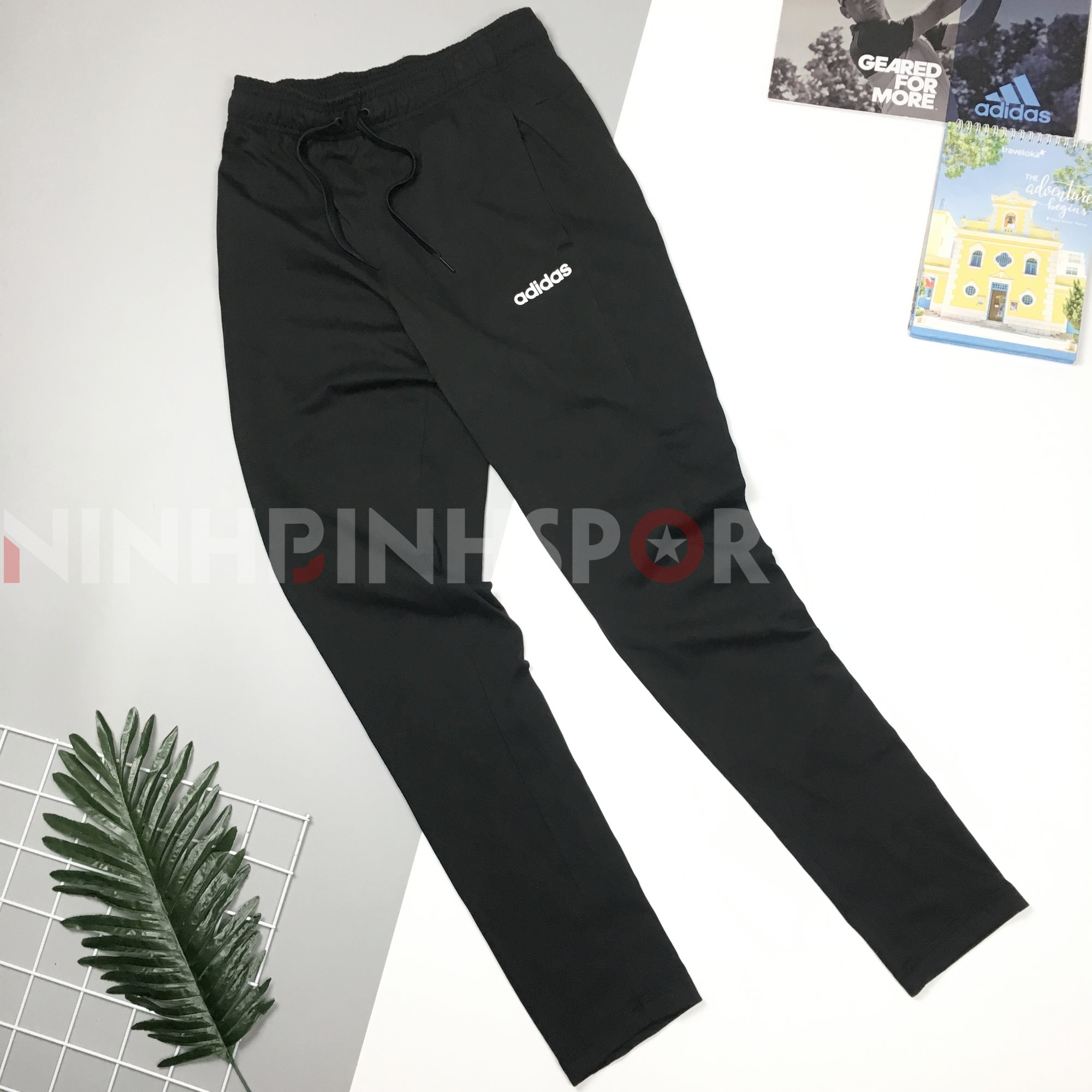 Quần dài thể thao nam Adidas Essential Plain - DU0378