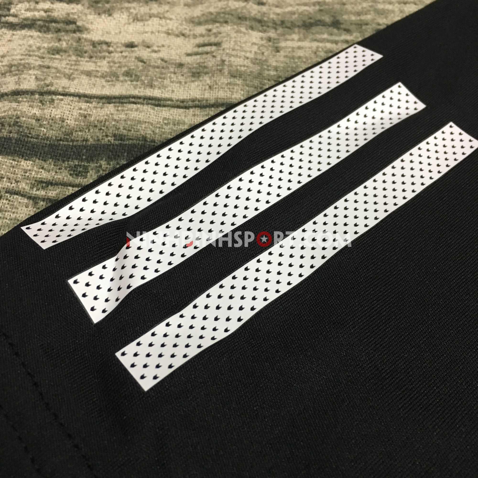 Áo thể thao nam Adidas 3-Stripes Club Tee Black DU0859