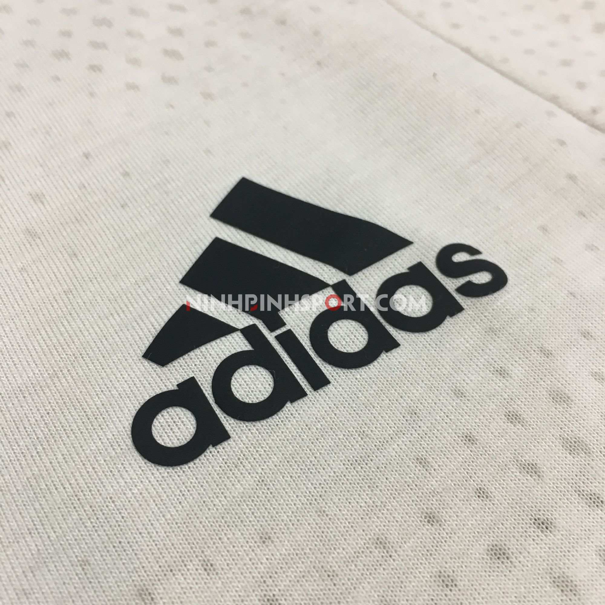 Áo thể thao nam Adidas FreeLift Tech Aeroknit Graphic DU1365