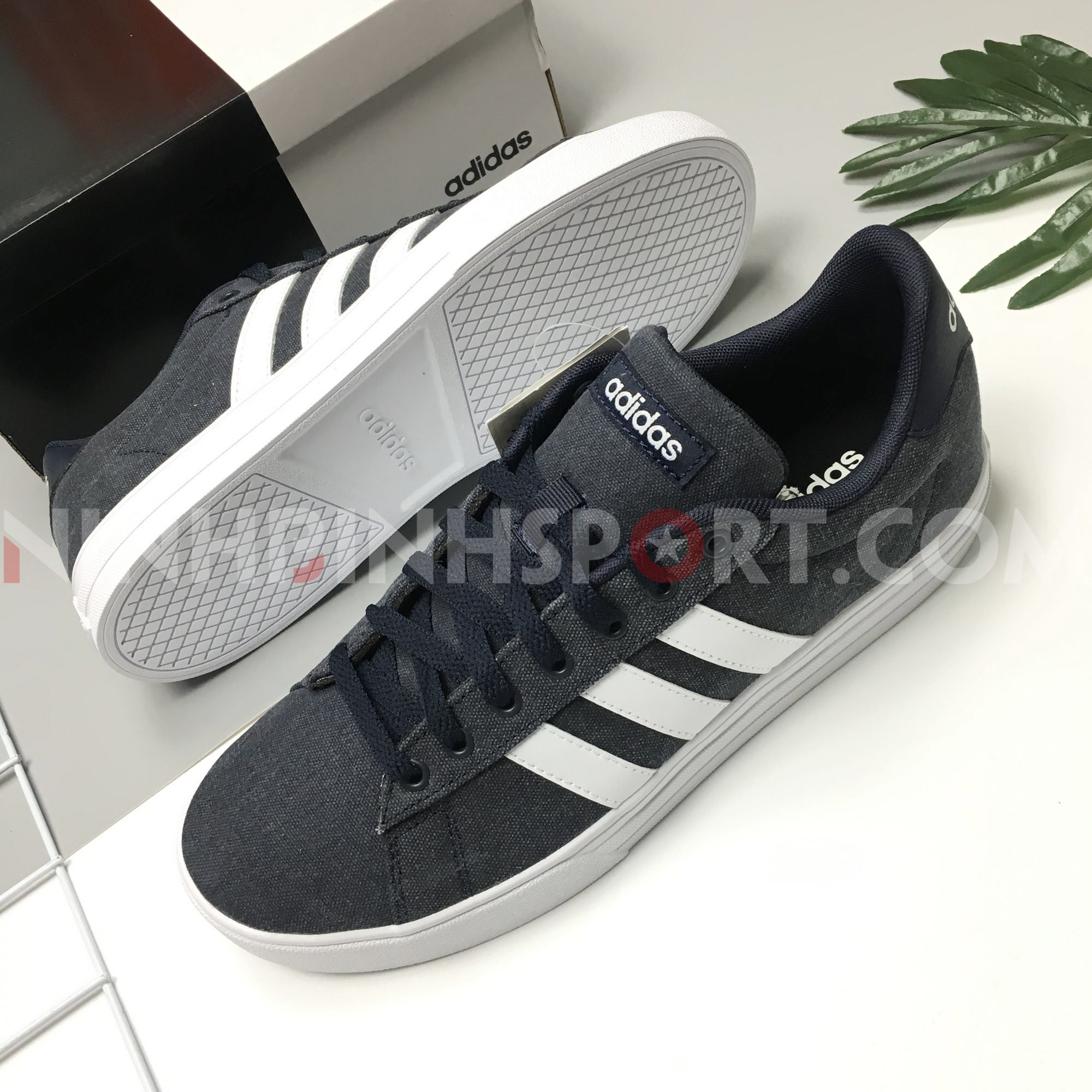 Giầy thể thao nam Adidas Daily 2.0 Blue F34557