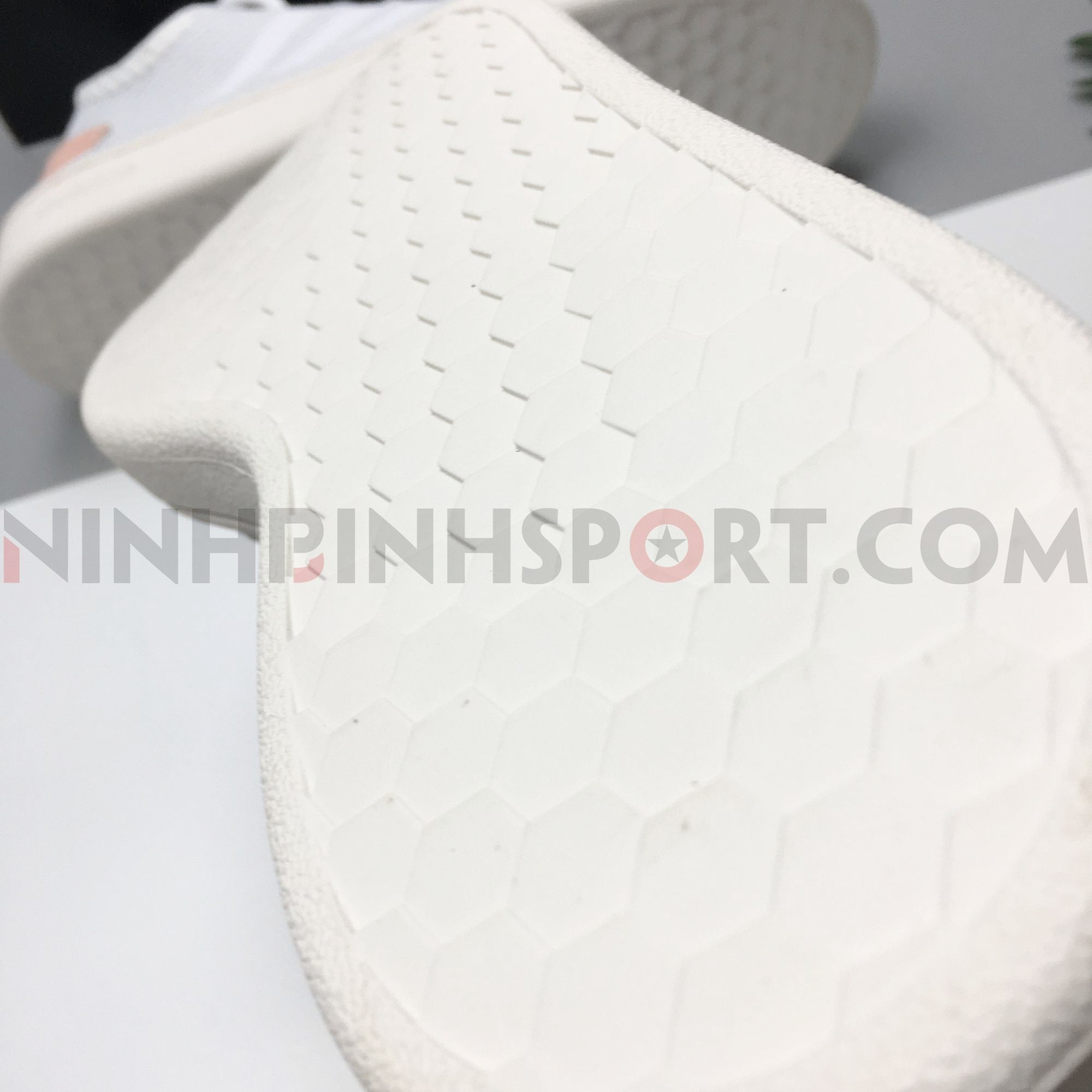 Giày thể thao nữ Adidas Court Adapt White F36476