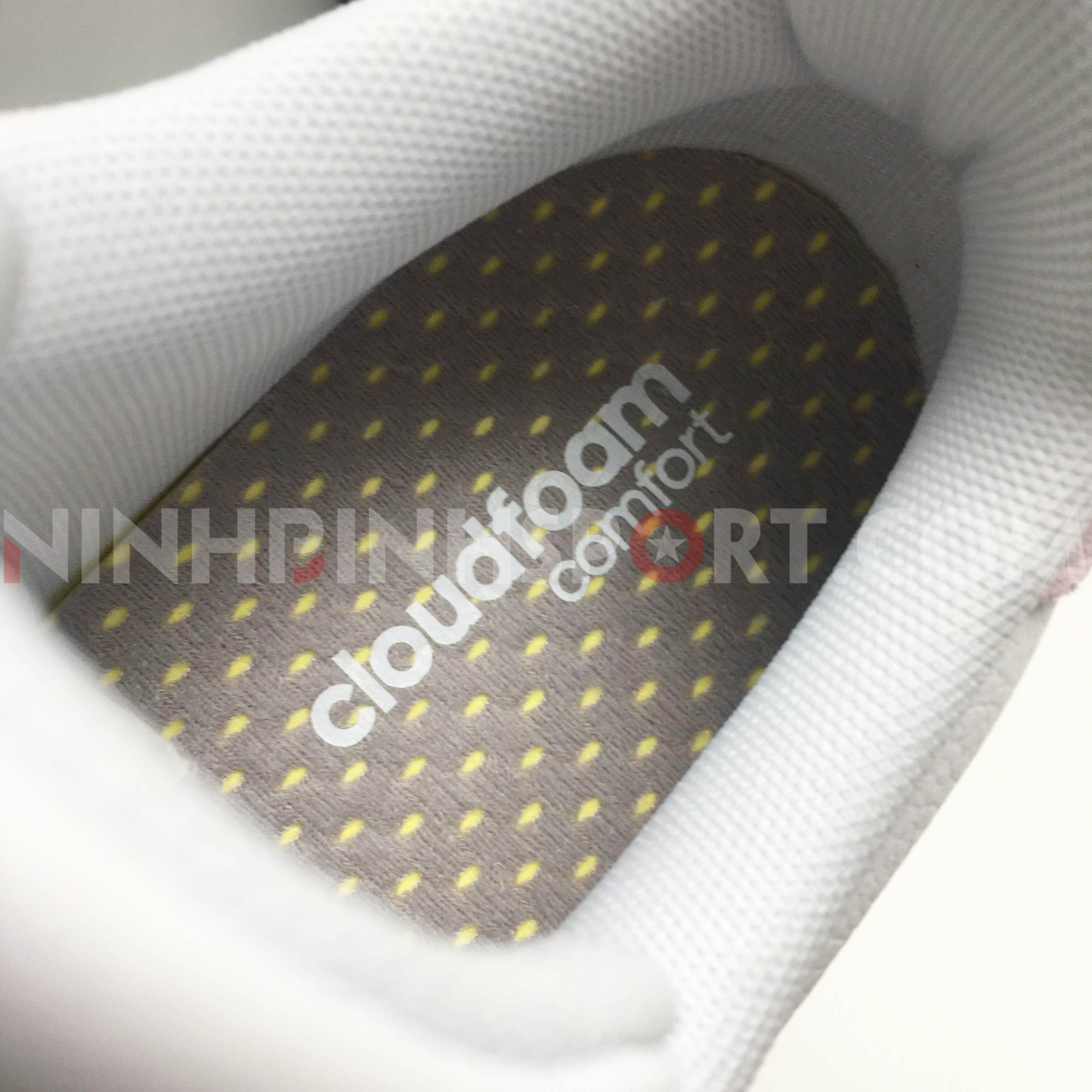 Giầy thể thao nữ Adidas Advantage White F36481