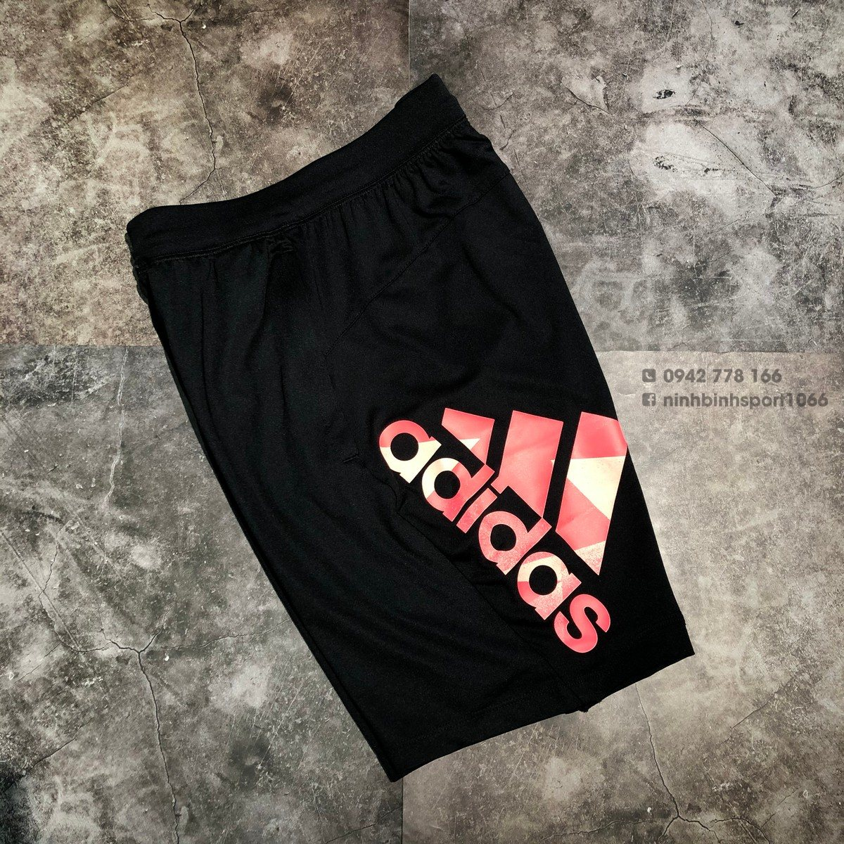 Quần thể thao nam Adidas Tokyo Badge Black FS3660