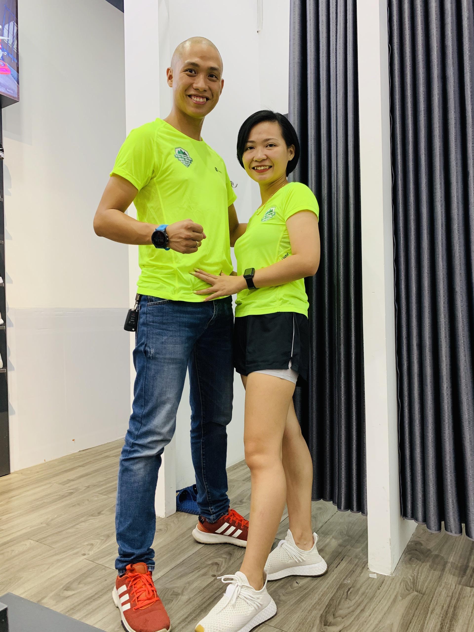 Áo Running Nữ Livan màu xanh LV20211185