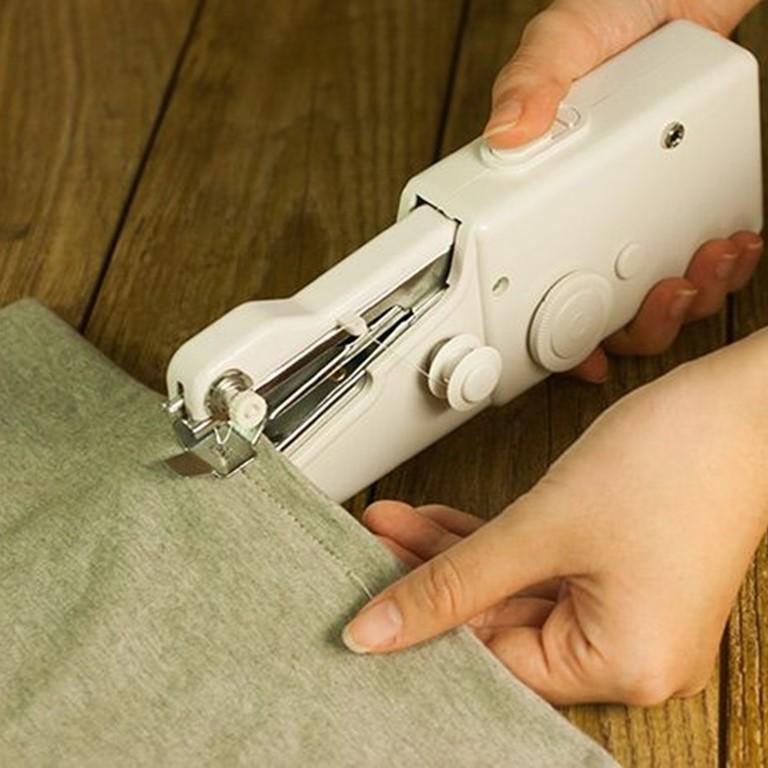 Máy khâu mini cầm tay Handy Stitch tiện dụng – Ngôi nhà Chích Bông