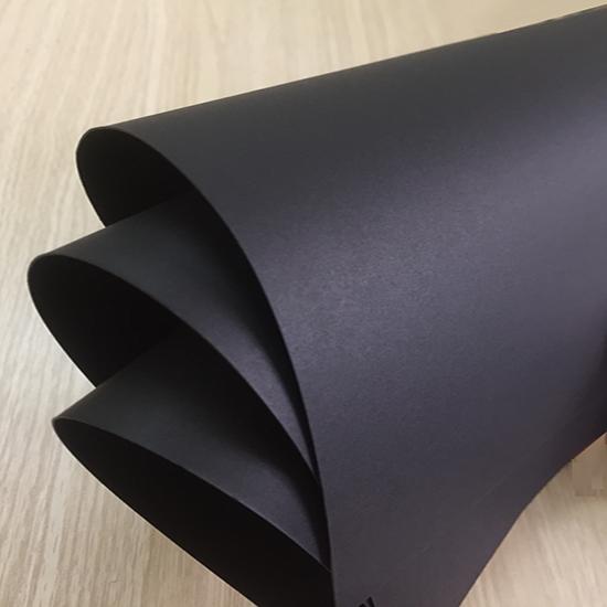 Giấy mỹ thuật màu đen, kích thước 79cm x 109cm (định lượng 300gsm) - Set 3 tờ_GHM60