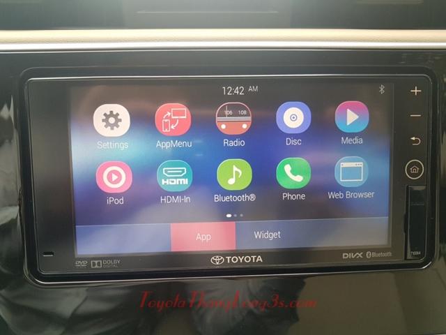 Rất nhiều chức năng trên màn hình DVD cao cấp này của Toyota Altis.