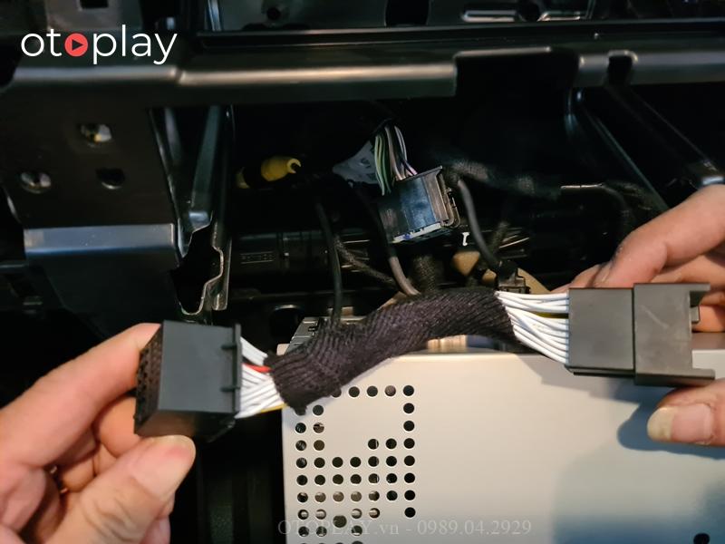 Jack lắp camera lùi không cần trích dây cho Ranger XLS