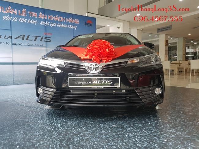 Xe Altis 2.0V Luxury trưng bày tại Toyota Thăng Long