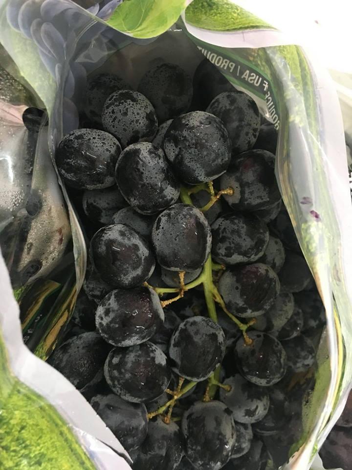 Nho đen Úc (Hàng air)