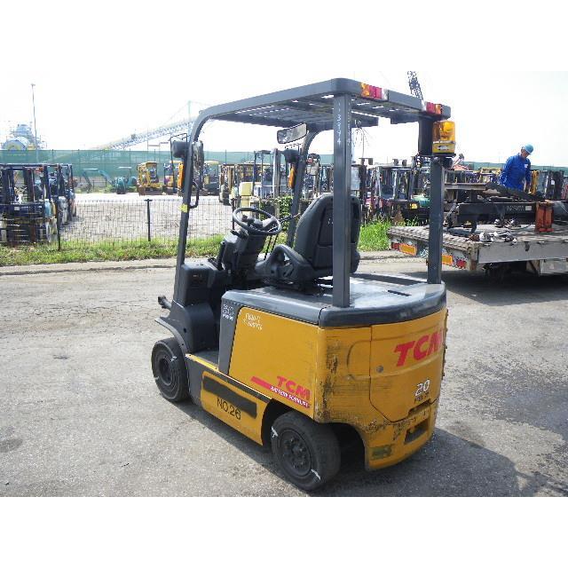 Xe nâng điện 4 bánh ngồi lái  TCM  FB20-7 (2000kg cao 5.5M)