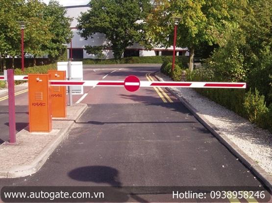 Barrier FAAC - Ý, cần 4m (620 STANDARD)
